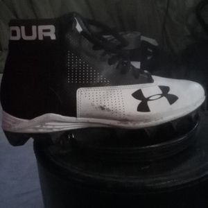 Used Under Armor cleats size 5 1/2